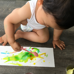 絵の具遊び